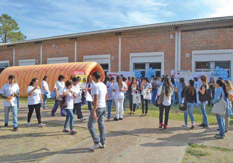 Trayectoria. Se trabaja en la formación de profesionales con compromiso comunitario.  Foto Gentileza/Facultad Ciencias de la Salud