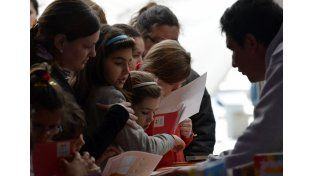 Tarragó Ros, Apo, Rolón y Guasones en el cierre de la Feria del Libro