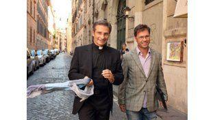 El cura polaco que salió del armario negó la existencia de un lobby gay en el Vaticano