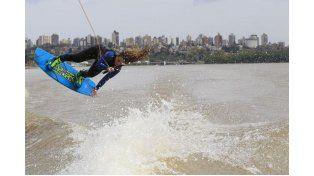 El wakeboard comenzó su  temporada oficial en el Paraná