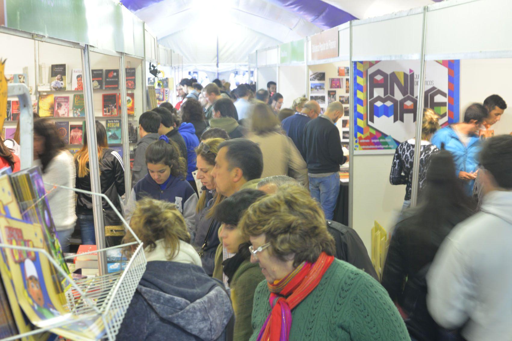 La Feria del Libro transcurre con éxito y sus propuestas convocan