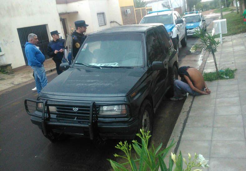 Adolescente detenido por dormir en camioneta ajena