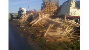 Falleció un hombre tras la colisión frontal de dos camiones