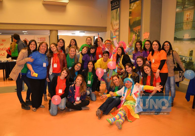 Alma y corazón. Distintos grupos trabajan a diario brindando contención a niños con cáncer. (Foto UNO/Juan Manuel Hernández)