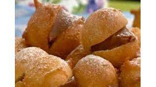 Buñuelos dulces fritos para disfrutar en este viernes frío y nublado