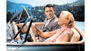 Galán. Cary Grant nunca blanqueó su bisexualidad. Aquí