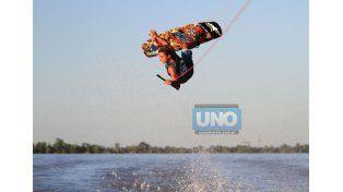 Oportunidad. Agustín Fontana viajará a México para representar al país en el Mundial de Wakeboard.  (Foto UNO/Juan Ignacio Pereira)