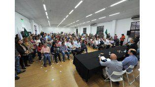 Urribarri anunció que llamarán a paritarias para el sector salud