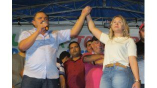 Brasil: una alcaldesa gobernaba por Whatsapp y presumía su riqueza por facebook