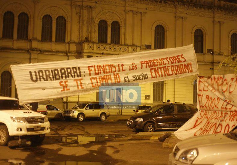 Ya realizaron una manifestación frente a la Casa de Gobierno. Foto UNO/Diego Arias