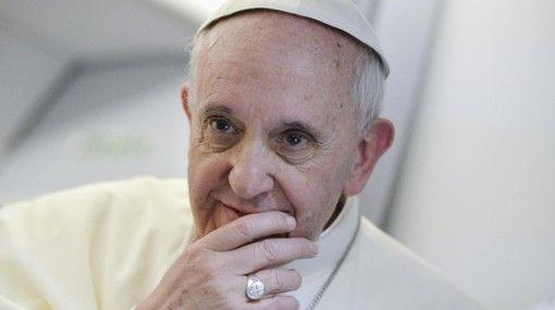 Carta del Papa a escritora gay dispara una polémica en Italia