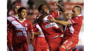 Argentino Juniors goleó al Colectivero