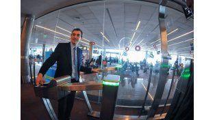 Inauguraron puertas automáticas de ingreso y egreso biométrico al país