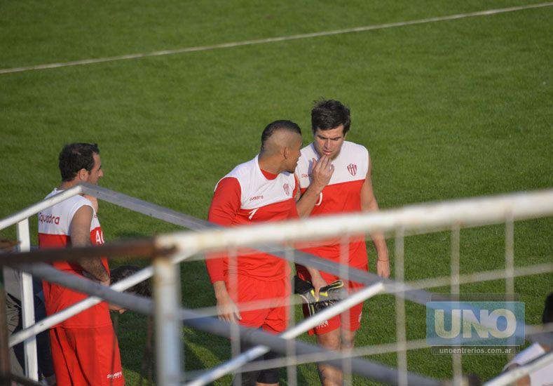 El cuerpo técnico del Decano es optimista y confía en contar con Arce y Dri para el próximo juego.   Foto UNO/Mateo Oviedo