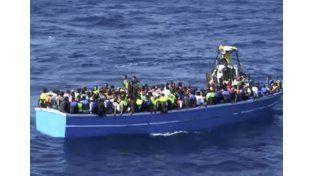 Hallaron 55 cadáveres en un barco de migrantes
