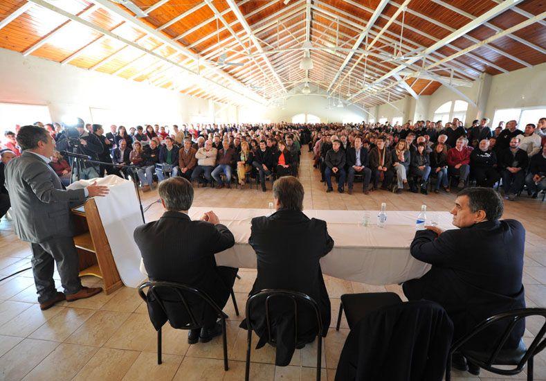 Urribarri pidió a la dirigencia justicialista trabajar para llegar al 54% en octubre