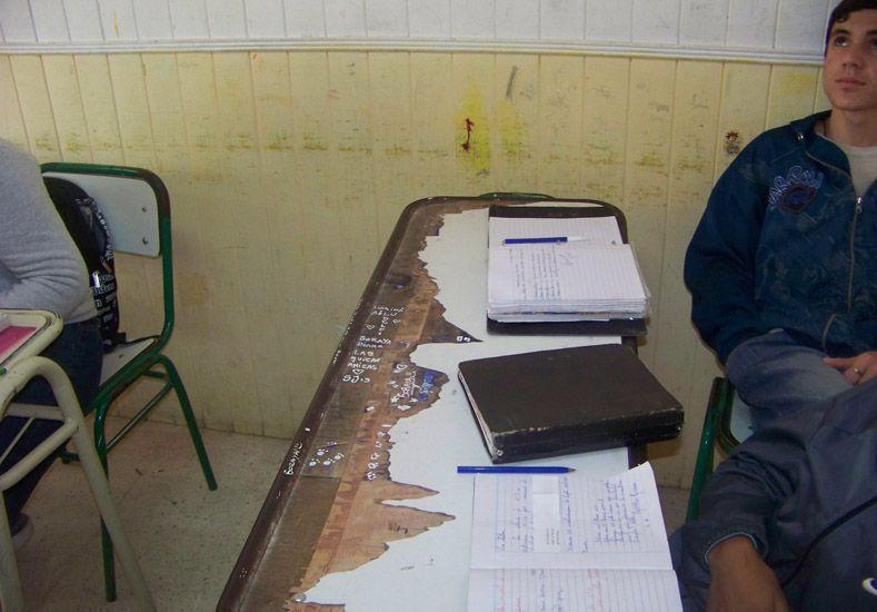 Denuncian que dan clases en aulas diminutas en una escuela uruguayense