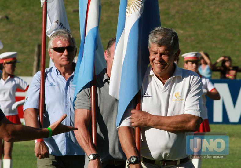 Con la bandera. En la 29ª edición del Seven de la República Soffredini fue homenajeado junto a otros valores del rugby. (Foto: UNO/Juan Ignacio Pereira)