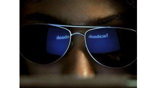 Diez signos que indican si sos un adicto a facebook