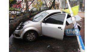 Daños materiales. El conductor no sufrió lesiones. (Foto UNO/Juan Manuel Hernández)