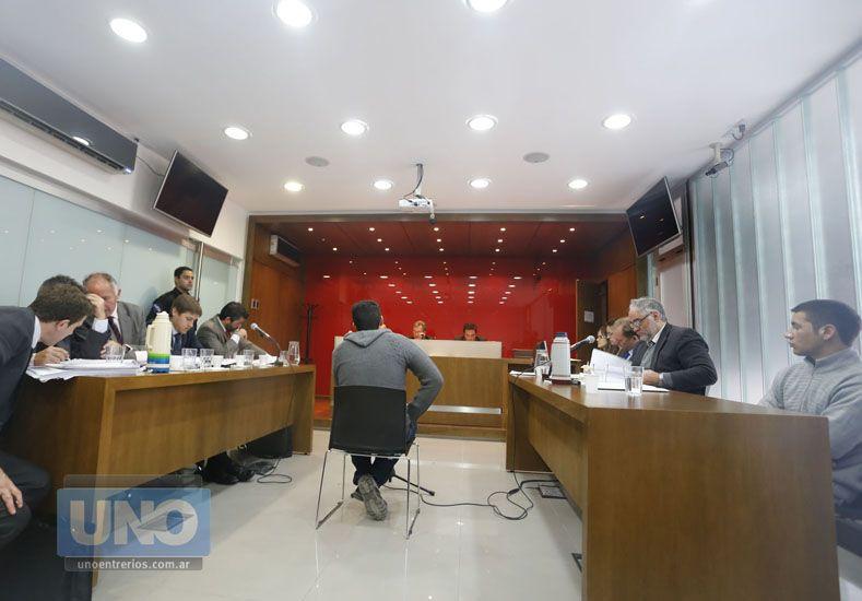 Testimonios. El acusado Facundo Bressan siguió con atención cada uno de los relatos de los testigos.  Foto UNO/Diego Arias