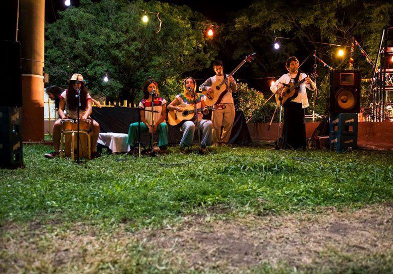 Debut y consagración. La banda se presentó en 2014 en el festival Circolorín Colorado.