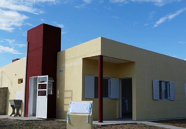 Construirán más viviendas para docentes entrerrianos en 11 localidades