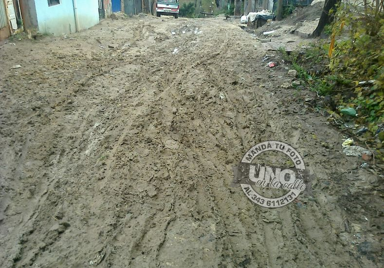 Calles de Bajada Grande intransitables por las lluvias