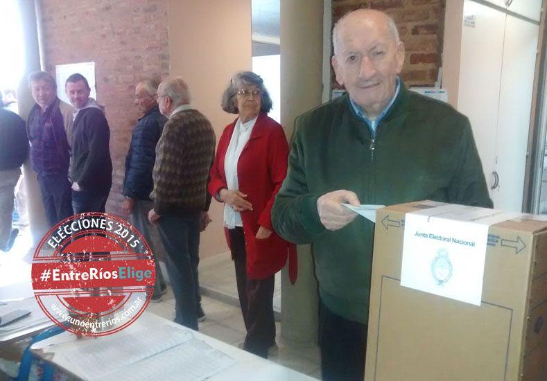Una costumbre. Tardelli votó por primera vez en el año 1951.  Foto Gentileza/Federica Dreislgacker