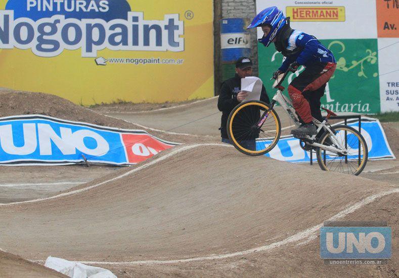 La competencia se desarrolló ayer debido a las elecciones de hoy en todo el país.  Foto UNO/Diego Arias