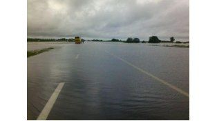 El desborde del río Areco provocó el corte total de la autopista Rosario-Buenos Aires.