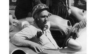 Exhumaron el cuerpo de Juan Manuel Fangio por su ADN