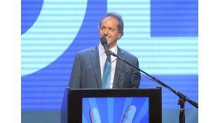 Scioli llamó a independientes e indecisos a votar a favor