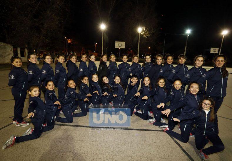 Las chicas se reunieron en el CPEF Nº 5 de Paraná para entrenar pensando en lo que viene. (Foto UNO/Diego Arias)