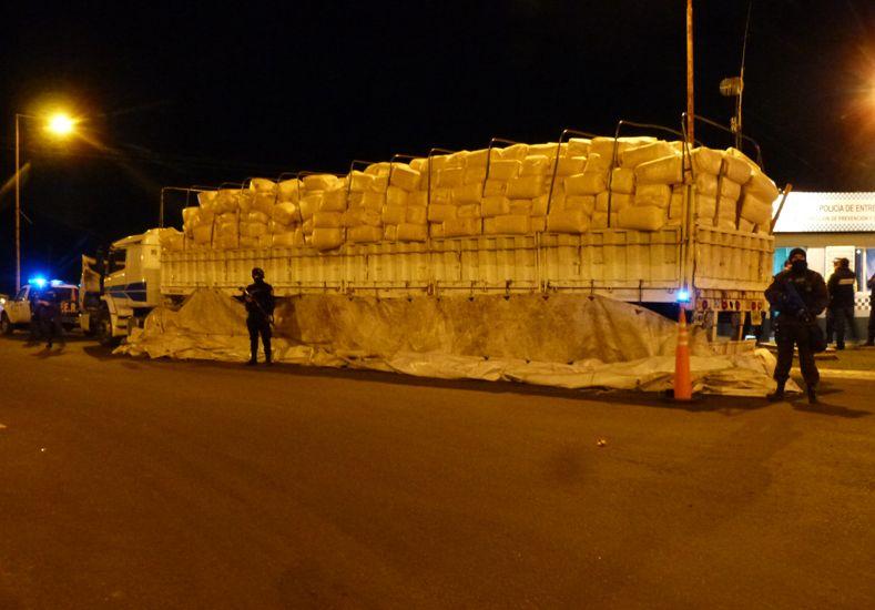 Los detenidos con el cargamento de 6.000 kilos de droga fueron alojados en la UP4