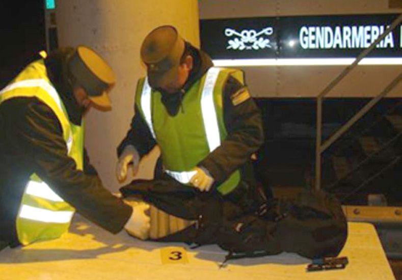 Transportaban más de 54 kilos de marihuana en su equipaje