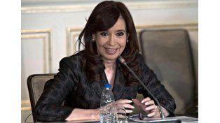 Cristina anunció la llegada de maquinaria pesada para la construcción de represas