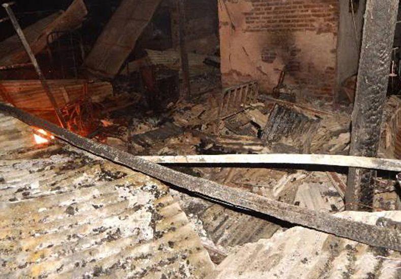 Destruida. La casa fue dañada por las llamas.