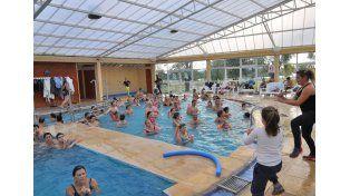 Afluencia. Turistas que visitan la provincia eligen las termas.  Foto Gentileza/Turismo Colón