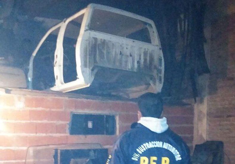 Hallan autopartes robadas en un taller mecánico en el ingreso a San Benito
