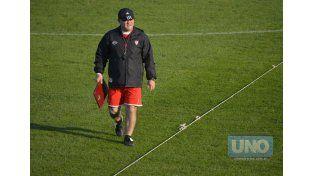 Edgardo Cervilla dio la lista de concentrados para el encuentro ante Atlético Tucumán. Foto UNO/Mateo Oviedo