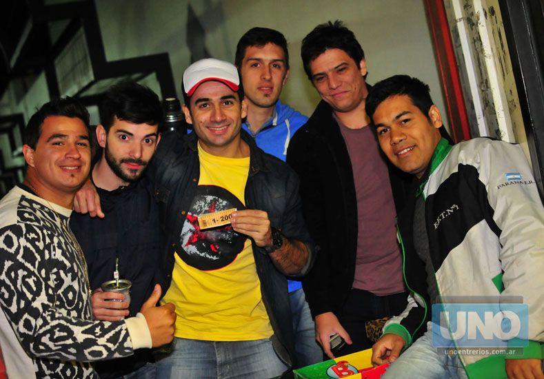 Con amigos. La amistad estuvo presente en la competencia.Foto UNO/Juan Manuel Hernández