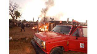 Las casillas se incendiaron en el barrio Las Colinas.