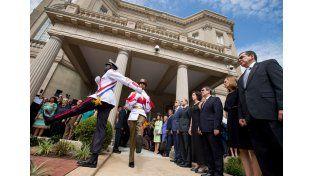 Cuba reabrió su embajada en EE.UU. luego de 54 años