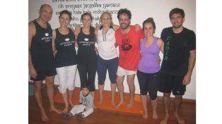 Abrir el corazón. El grupo de Ashtanga Yoga pensó en quienes lo necesitan y realizaron la colecta.