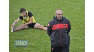 Iván Delfino no confirmó el equipo para enfrentar a Estudiantes. Foto UNO/Mateo Oviedo