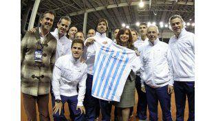 La presidenta recibe al equipo argentino de Copa Davis en Tecnópolis (Télam)