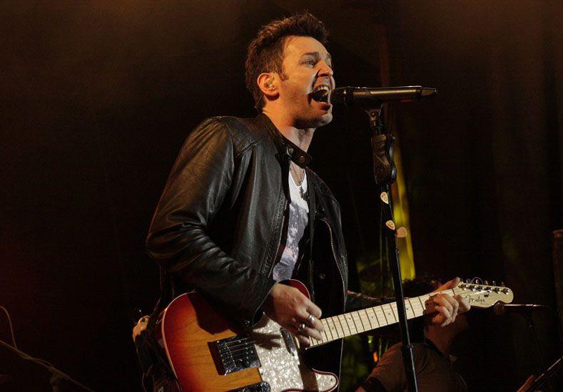 {altText(Gira. El cantautor se presentará en el marco de #TusOjosMisOjos Tour, con el que recorre el país.,Axel anunció su show en Paraná)}
