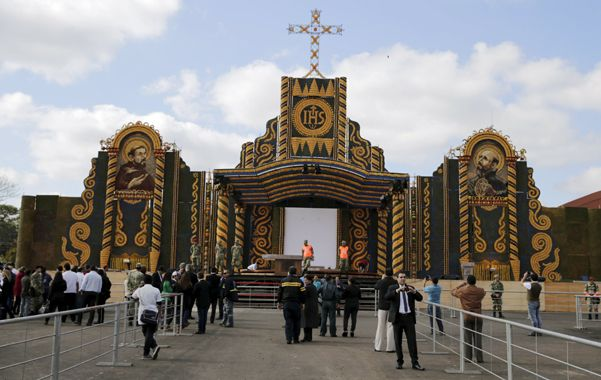 Imponente. El altar de maíz y calabaza donde Francisco dará la misa principal en Ñu Guasú.