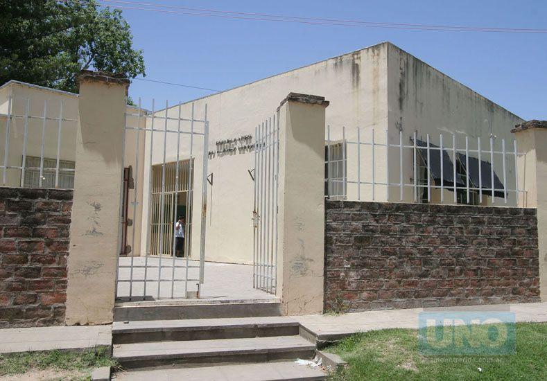 La fachada de la escuela Álvarez Condarco. (Foto: UNO/Archivo)